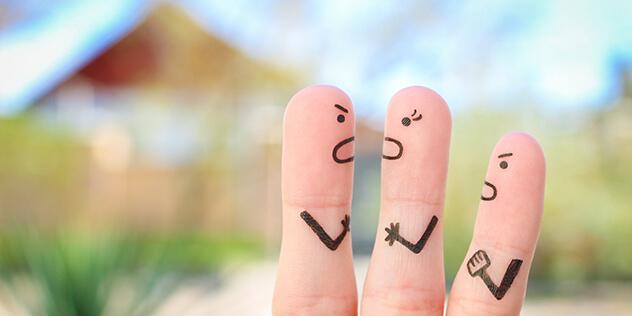 Drei Finger stellen eine Familie im Streit dar, Bild: © iStockPhoto / Mukhina1